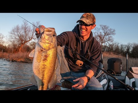 Huge Bass on Secret Crankbait   NEW GOOGAN FISHING GEAR!