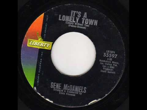HI-MAX COLLECTOR'S  - GENE MCDANIELS - IT'S A LONELY TOWN