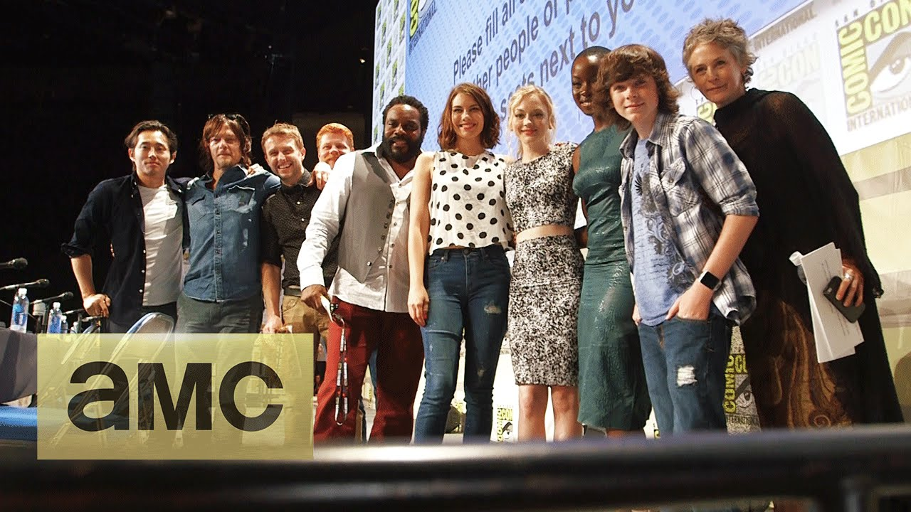 Backstage With The Cast At Comic Con The Walking Dead Season 5