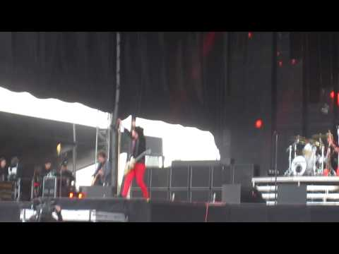 Green Day - Holiday live at Helsinki 8.6.2010