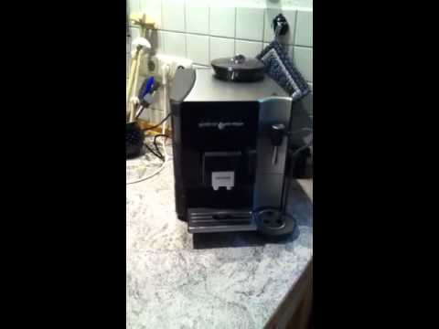 eq 7 siemens kaffeeautomat youtube. Black Bedroom Furniture Sets. Home Design Ideas
