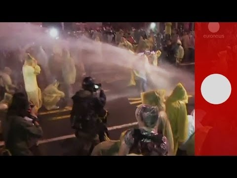 Violent clashes as police break up anti-nuclear protests in Taiwan
