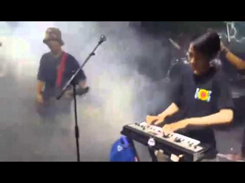 SEMUT MERAH - Aw Aw Aw ( at GOR Sunter, Jakarta )