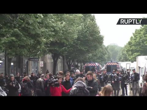Rally against Le Pen and Macron in France