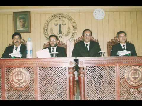 Chief Justice of Pakistan with Lawyers from District Bar Association, Faisalabad