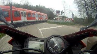Honda CBR600F vs S-Bahn