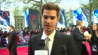 EVENT CAPSULE CHYRON - Actors Andrew Garfield, Emma Stone and Jamie Foxx appear on the Red Carpet at