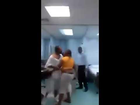 Se cruzó a la amante de su marido en el hospital y la golpeó