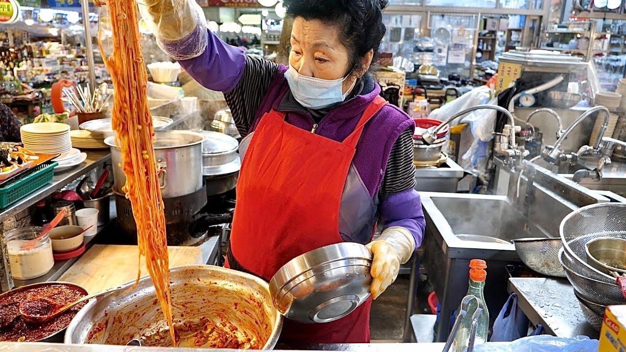 """""""한번 맛보면 단골 돼~"""" 주문 후 20초만에 나오는 비빔국수,잔치국수,쫄면 / 의정부 제일시장 국수 맛집 spicy noodles, Korea Street food"""
