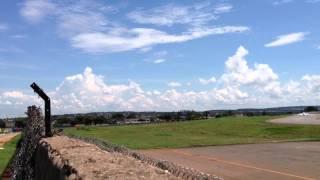 Aeroporto de Goiânia - TAM decolando.