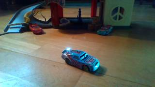Disney Cars review: Ponchy Wipeout (Bumper Save) (Cars 3)