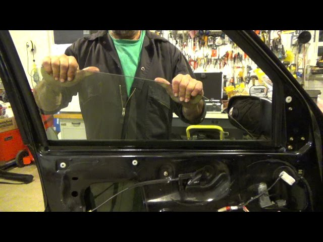 Front Door Window Glass Replacement 2001 2007 Ford Escape Youtube