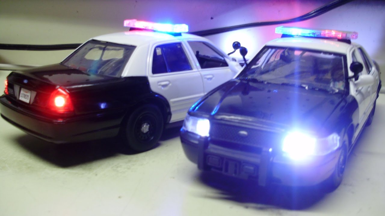 Custom 1 24 ford crown victoria police interceptor diecast models with working lights