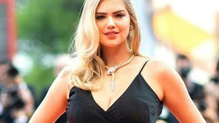 Top 10 Sexiest Women In The World 2019