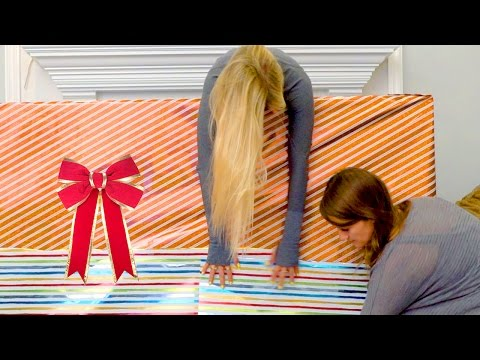 How to Wrap Holiday Presents!   iJustine