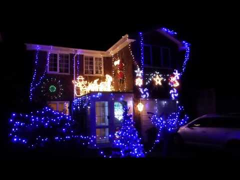Stunning Outdoor Christmas Displays  - Midhurst - Jólaljós - Húsaskreyting