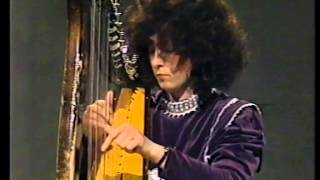 Irish harp : Maire ni Cathasaigh plays a piece by O'Carolan