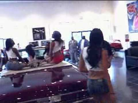 CHAMILLIONAIRE'S FLY RYDES CAR SHOP IN HOUSTON
