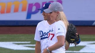 COL@LAD: Ski racer Vonn tosses out first pitch