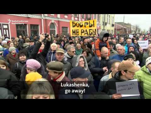 Belarusians protest tax on jobless