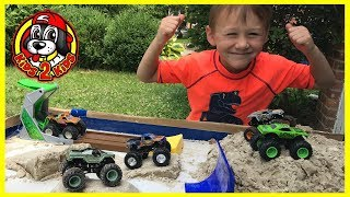 Monster Jam Toys - Monster Dirt Arena & 20 lbs of DIY Kinetic Sand!! (ft. FREESTYLE SHOW HIGHLIGHTS)