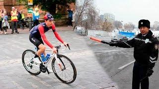 видео Велосипедисты и водительские права