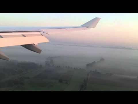 Aterrizaje en aeropuerto de Munich Landung am Flughafen München Landing at Munich airport