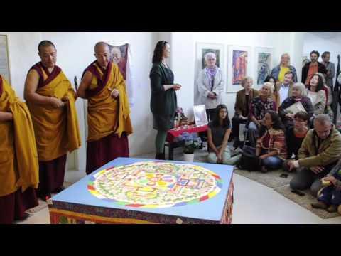 Tibetische Mönche zerstören traditionelles Mandala
