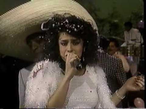 La Sonora Dinamita - Vilma Diaz - El Viejo del sombreron - Tributo a la cumbia Colombiana