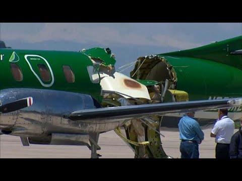 Chocan en pleno vuelo dos aviones en Denver