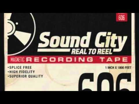 Corey Taylor, Dave Grohl, Rick Nielsen & Scott Reeder - From Can To Can't