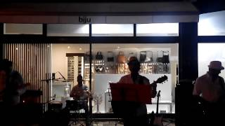 """Coldplay """"Yellow"""" covered by Tarantino`s (Noite Branca 2014 OAz)"""