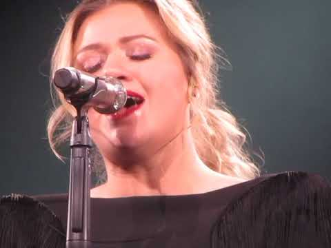 Big Jim - At Work - WATCH: Kelly Clarkson Sings Shallow From A Star Is Born