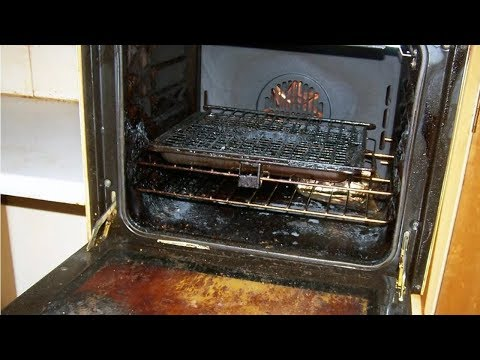 Вопрос: Как очистить духовку и плиту от въевшейся грязи с помощью пищевой соды?