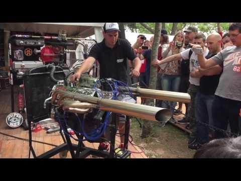 Chevrolet Small block engine sound V8 - 5.7L / Autoclasica 2016
