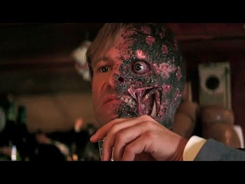 8 Little Known Ways Aaron Eckhart Made Nolan's Two-Face Awesome