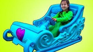 Jannie Plays with Disney Frozen Elsa Ride-On Sleigh