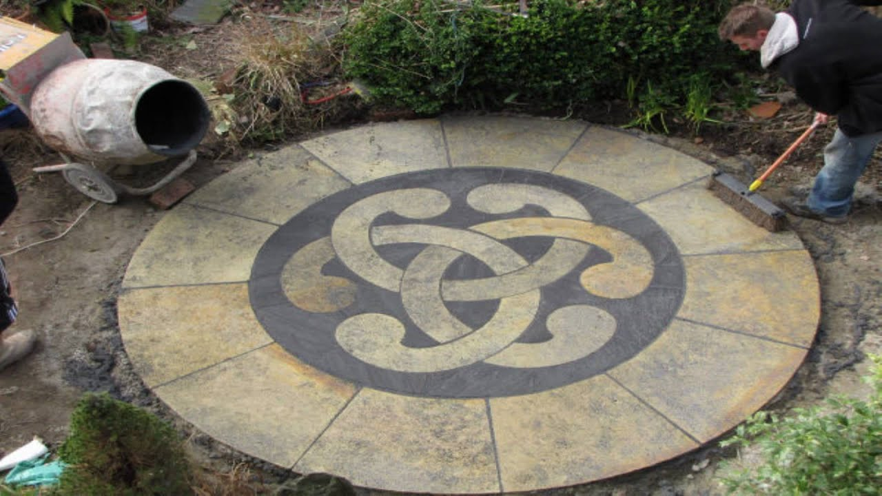 Jointing The Patio With Rompox Drain