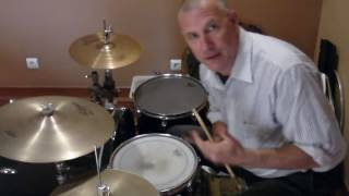 A funk pattern using your left hand and right hand separately. Foll...
