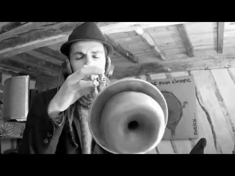 L'enfant au tambour ( Deyts Fabien )