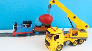 Thomas Train Transports Eggs with a Surprise and Crane Truck loads them in the Dump Truck
