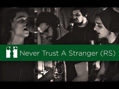 Fewjar - Never Trust A Stranger (Roomsession)
