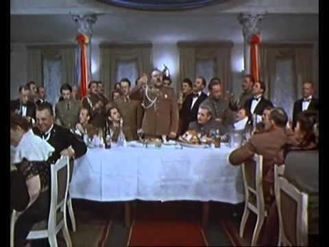 """И хруст французской булки, и """"Боже царя храни""""... - YouTube"""