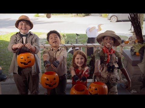 Kevin Hart is Dwayne Johnson for Halloween