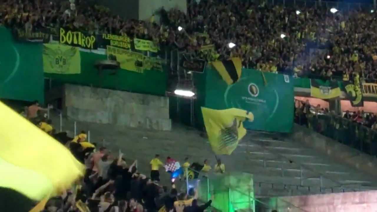 BVB Fans singen: Dortmunder Jungs