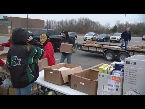 Reeds Spring High School Students Helps Needy Families