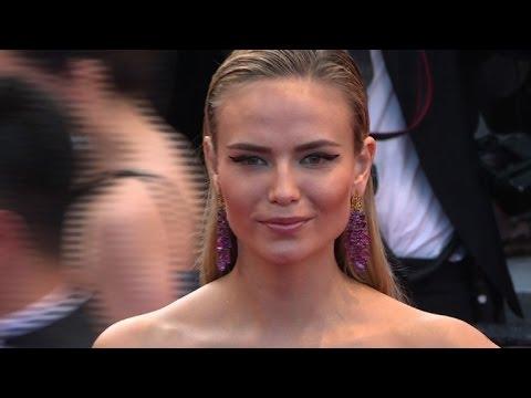 "Celebrities hit Cannes red carpet for Almodovar's ""Julieta"""