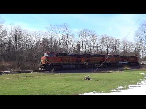 Four-Unit BNSF Light Power Move at Agency, Iowa
