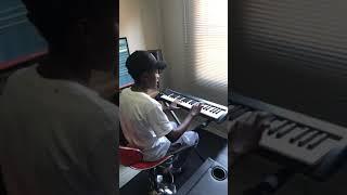 Vigro Deep in studio