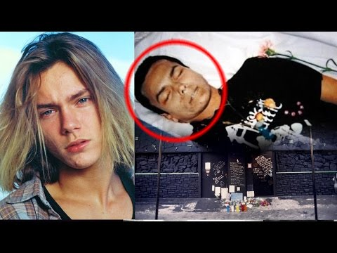 Unknown Surprising Facts About River Phoenix  Pastimers